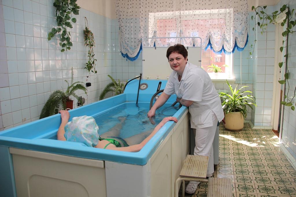 купание лежачего больного