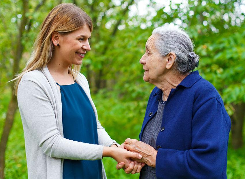 Как убедить близкого на дом престарелых